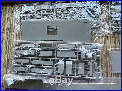 1/350 USS CV-9 Essex aircraft carrier model kit plus PE detail ship & planes