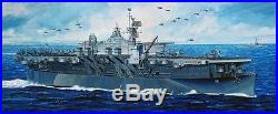 Dragon 1350 1024 USS Independence CVL-22 Light Aircraft Carrier