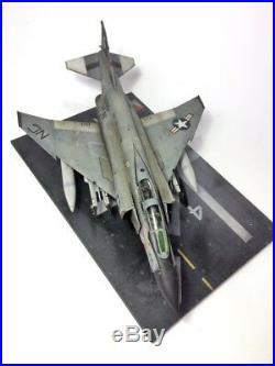 F-4J Phantom II + Aircraft carrier Deck set on 148 148 built and painte