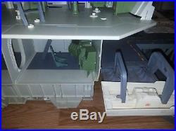 GI JOE USS FLAGG AIRCRAFT CARRIER Vintage Figure Playset 1985 NEAR COMPLETE