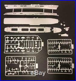 Imperial Hobbies & Production 1/700 Royal Navy aircraft carrier HMS Colossus 194
