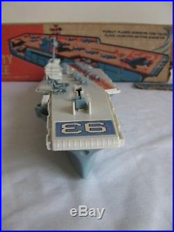 Vintage 1963 Remco Mighty Magee Aircraft Carrier with Planes #520 VG